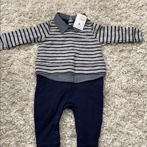 GAP one piece sweater and pants 6-12 mo